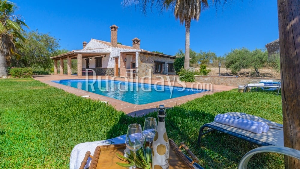 Picturesque villa with Jacuzzi and precious views in Alozaina - MAL0177