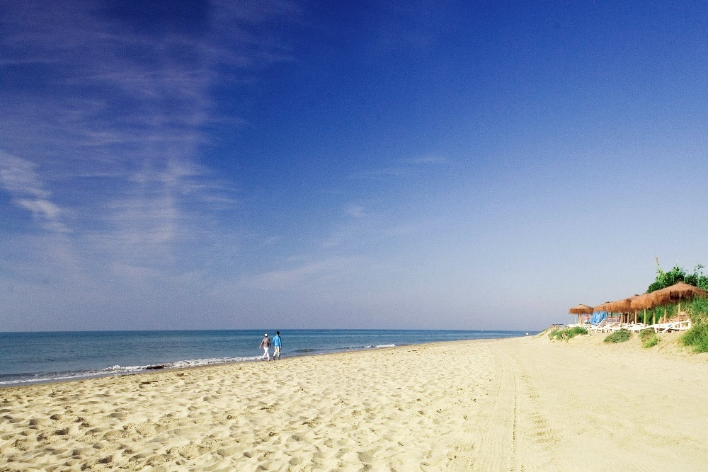 Beach of Cabopino in Marbella - Best beaches in Malaga