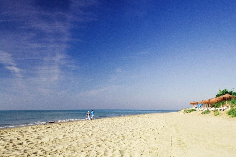 Beach of Cabopino in Marbella - Best beaches in Malaga