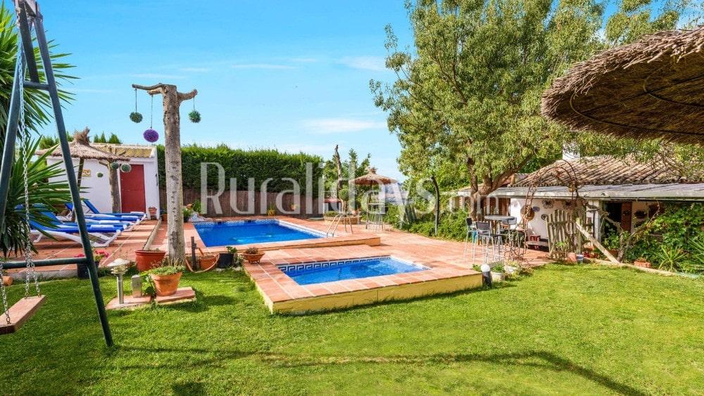 Casa rural con preciosos exteriores que admite mascotas en Ronda - MAL0183