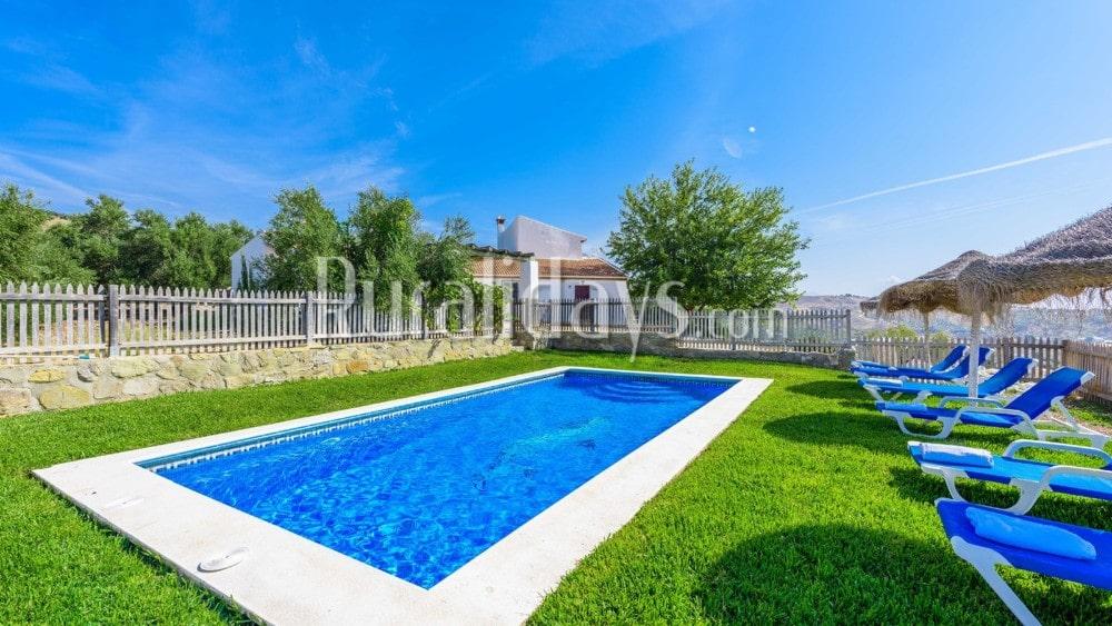 Enorme diervriendelijke villa met indrukwekkend uitzicht in Antequera - La Higuera - MAL0617