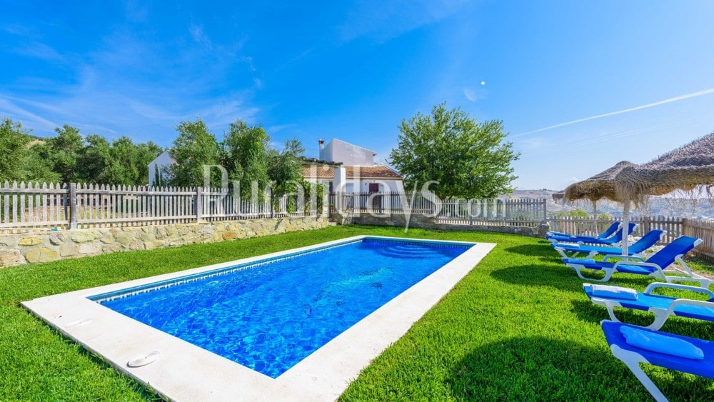 Lovely villa where you can go with your pets in Antequera - La Higuera - MAL0617