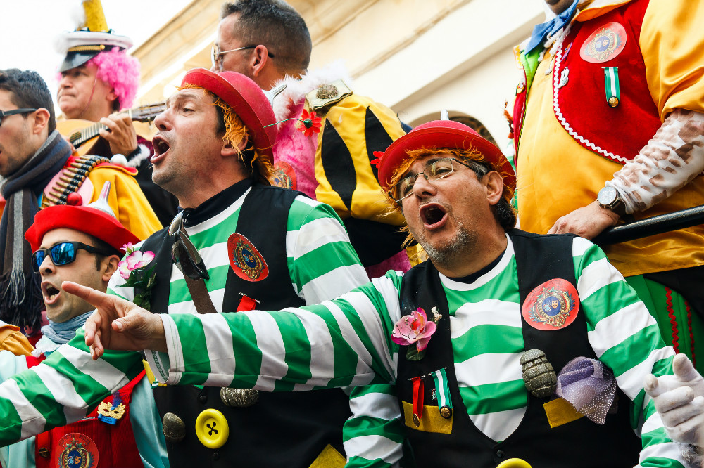 Carnival of Cadiz: Group of Ilegales singing in the streets of Cadiz