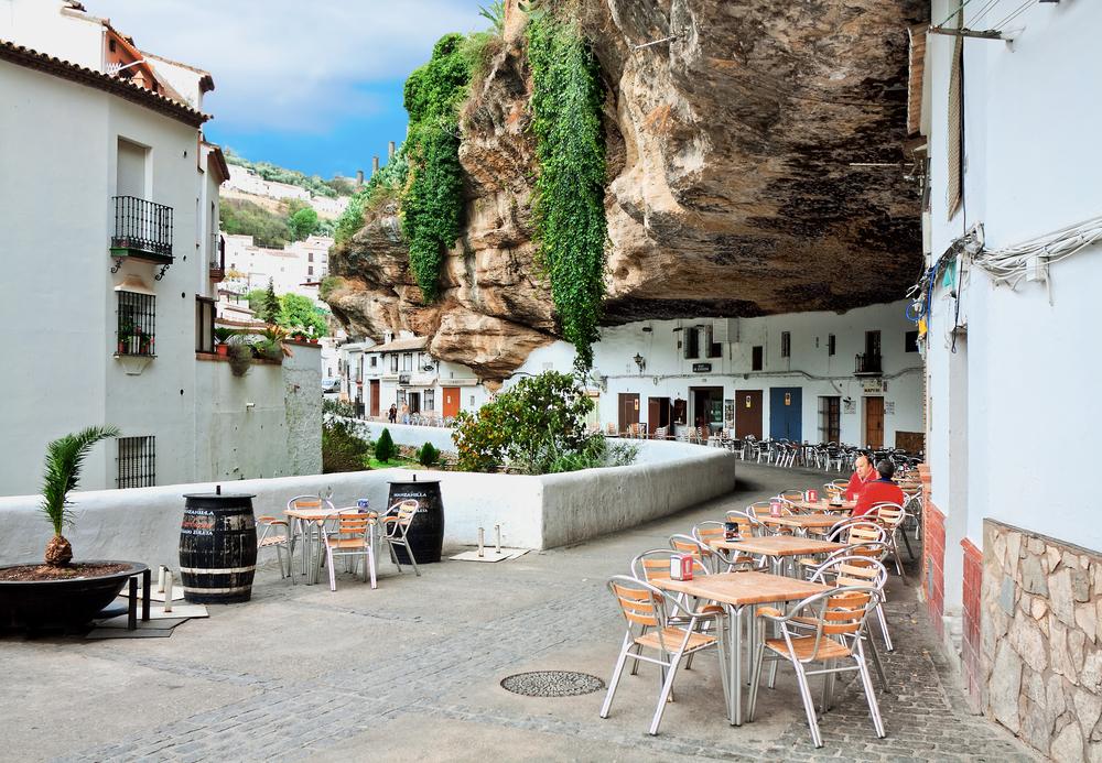 Pueblo blanco de Setenil de las Bodegas, Cádiz