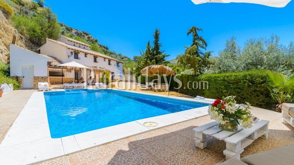 Enorme villa met voorzieningen voor groepen in Montefrío - GRA0823
