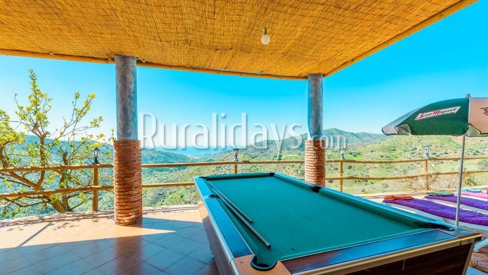 Villa met recreatievoorzieningen in Sayalonga - MAL2404
