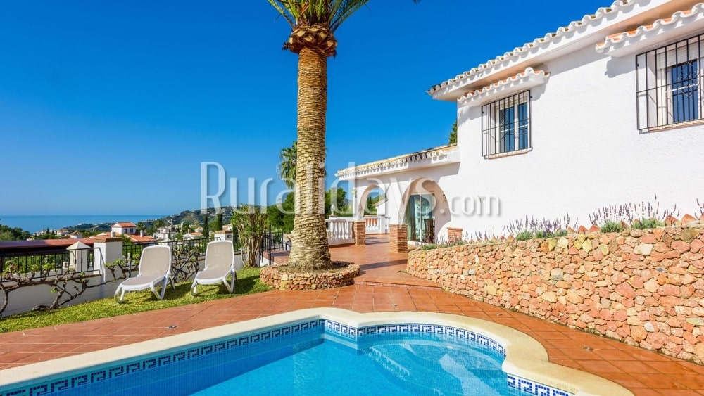Villa near the beach, with private swimming pool in Nerja