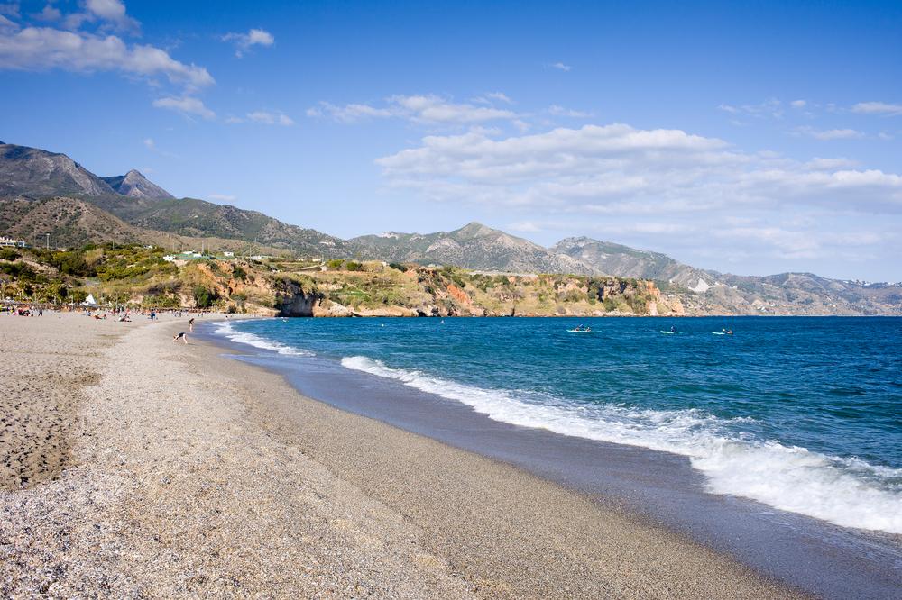 Strand von Burriana, Nerja