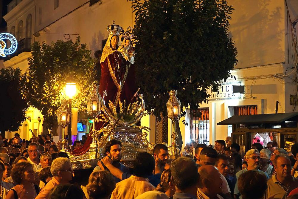 Cosas que hacer en Tarifa: procesión de la Virgen de la Luz