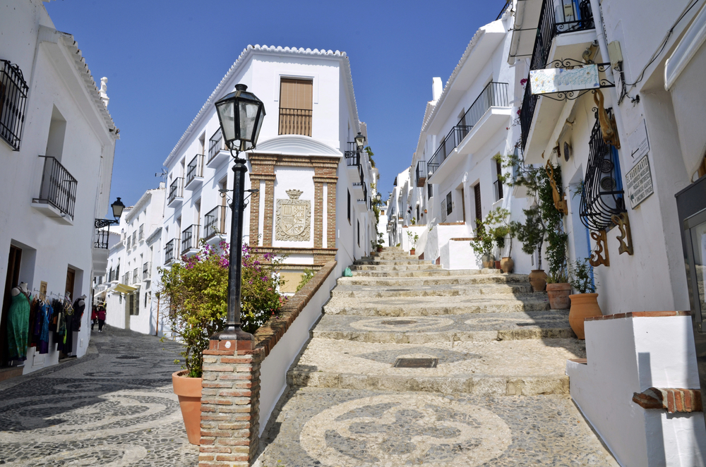 Visit Frigiliana: the historic city centre of Barribarto