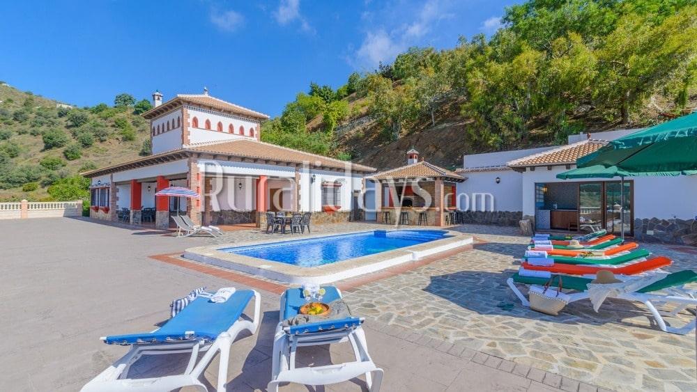 Charmante villa met Jacuzzi in Sayalonga - MAL0071
