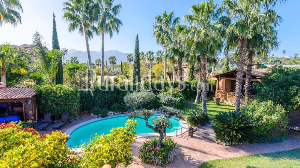 Vakantiehuis met schitterende tuin (Alhaurín de la Torre, Malaga)