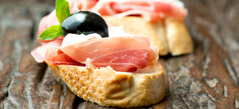 Uitzonderlijk Spaanse tapas: de oorsprong van deze typisch Spaanse specialiteiten @QO51
