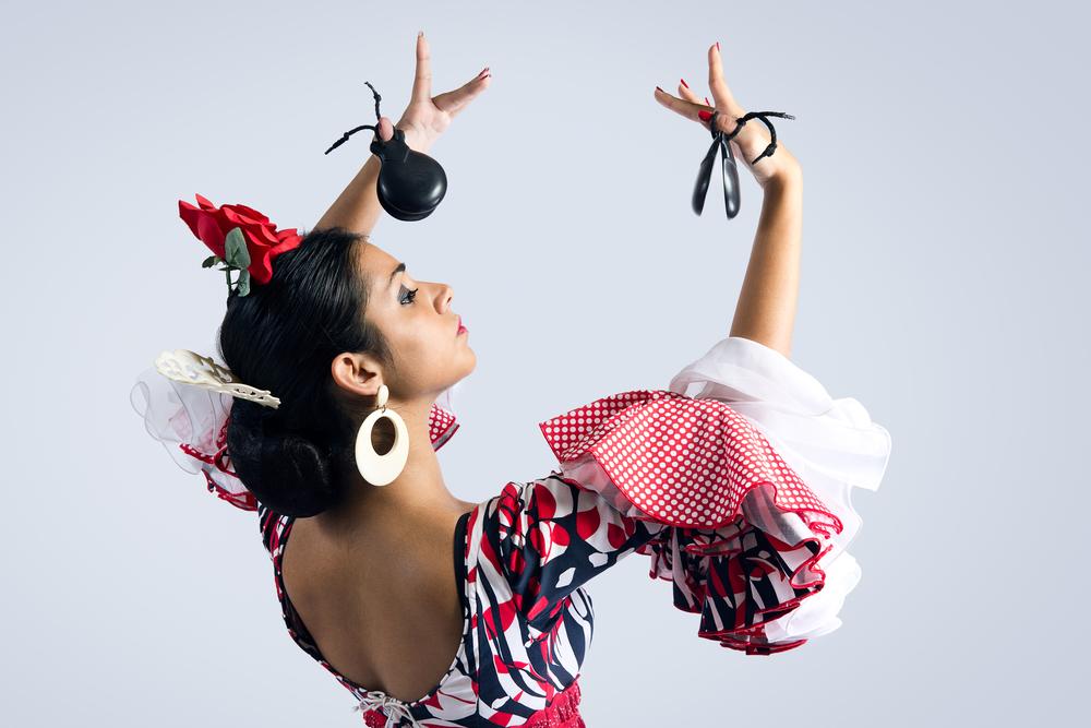 flamenco danseres in typische houding