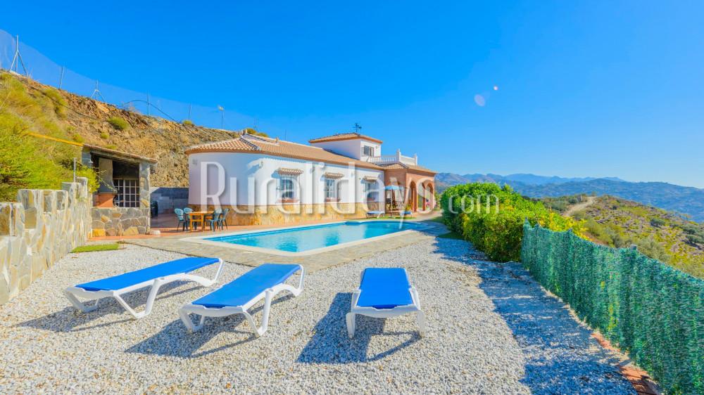Preiswert Ferienhaus in Arenas, Malaga