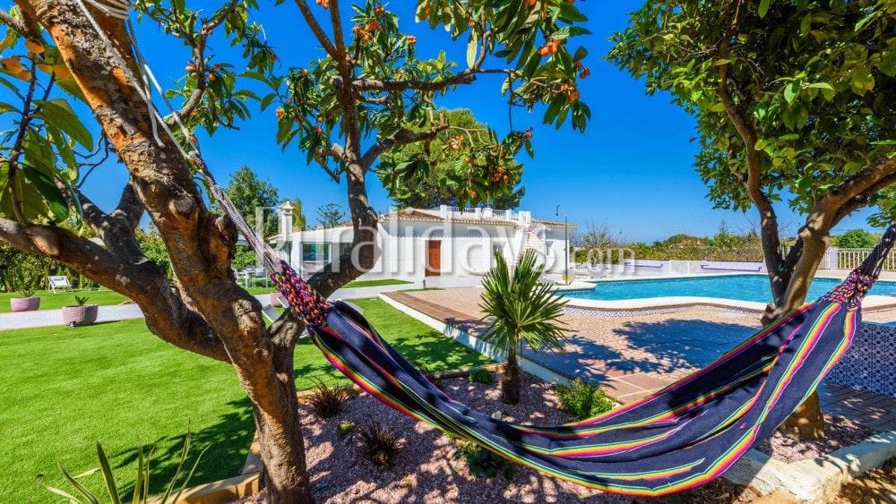 Preciosa villa con jardín y piscina privada en Alhaurín de la Torre - MAL1681