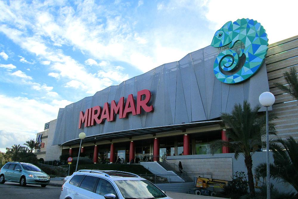 Einkaufszentrum Miramar in Fuengirola, Malaga