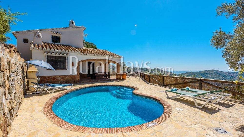 Coqueta casa de vacaciones con magníficas vistas en Cómpeta - MAL0596