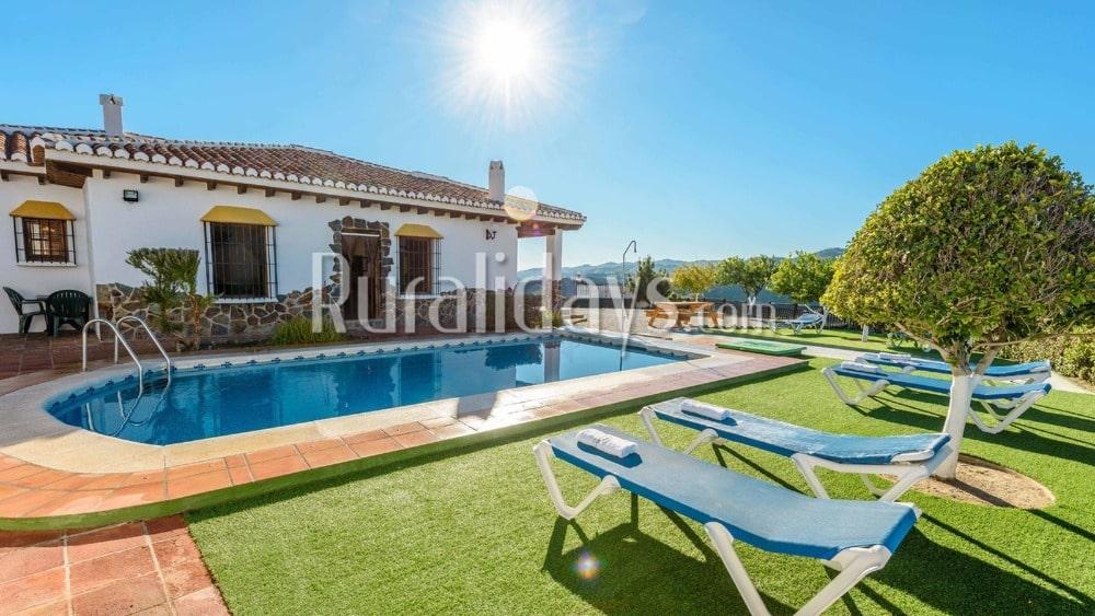 Preiswert Ferienhaus zwischen Weißen Dörfern in Almachar - MAL0196
