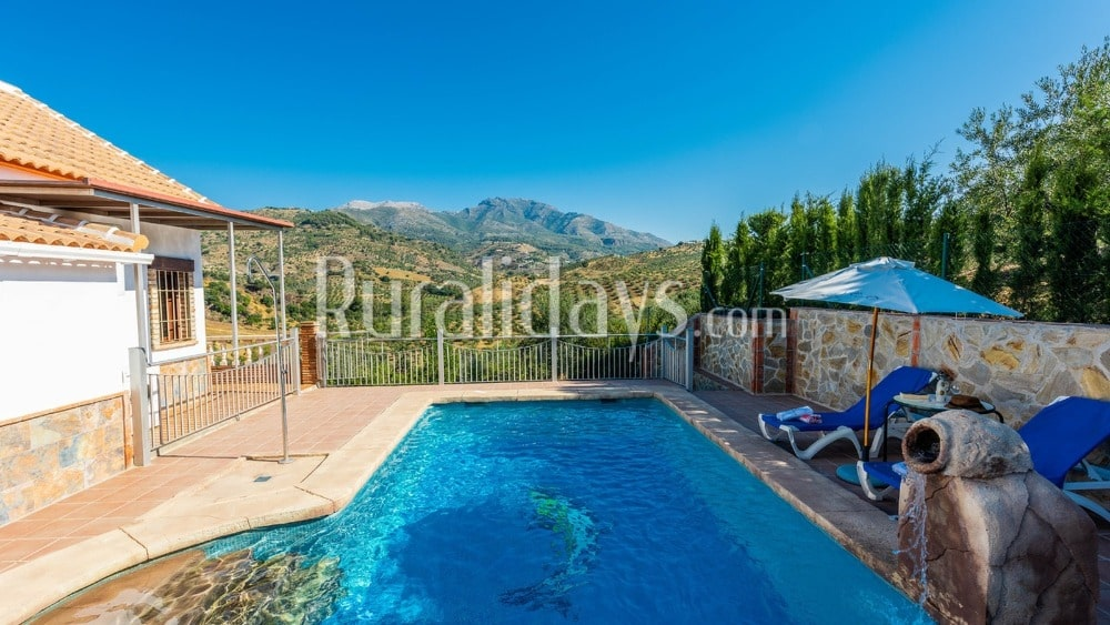 Rustiek ingerichte villa in de bergen in Alozaina - MAL0189