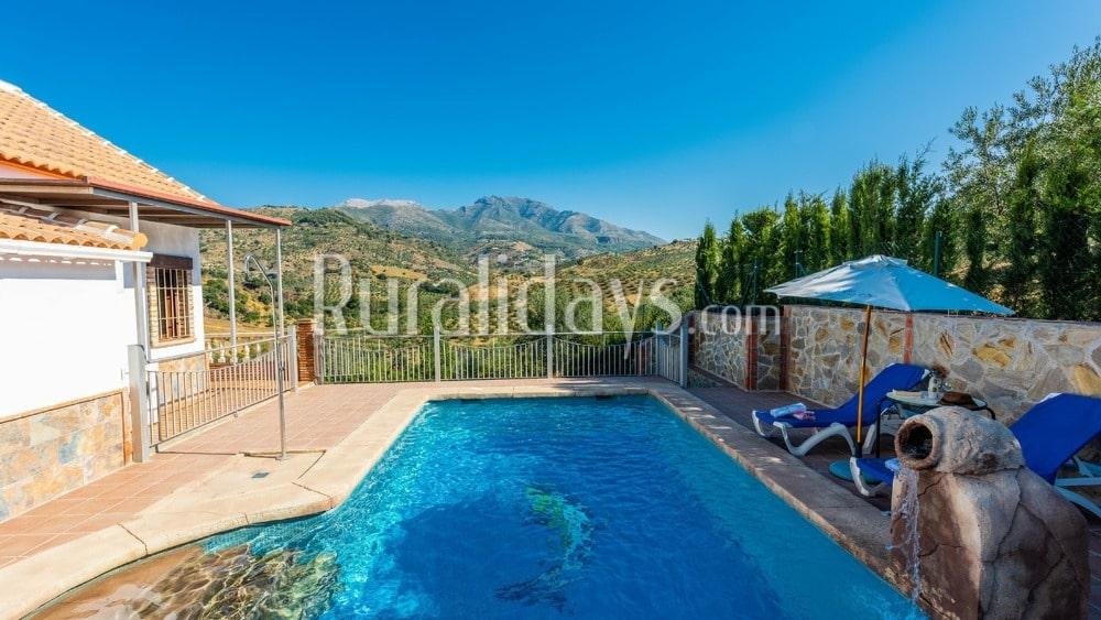 Rustikal eingerichtete Villa in den Bergen in Alozaina - MAL0189