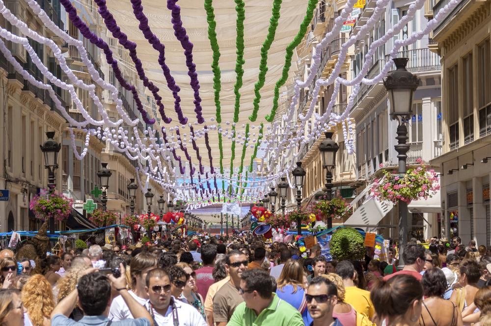 Calle Larios während des Volksfests von Malaga