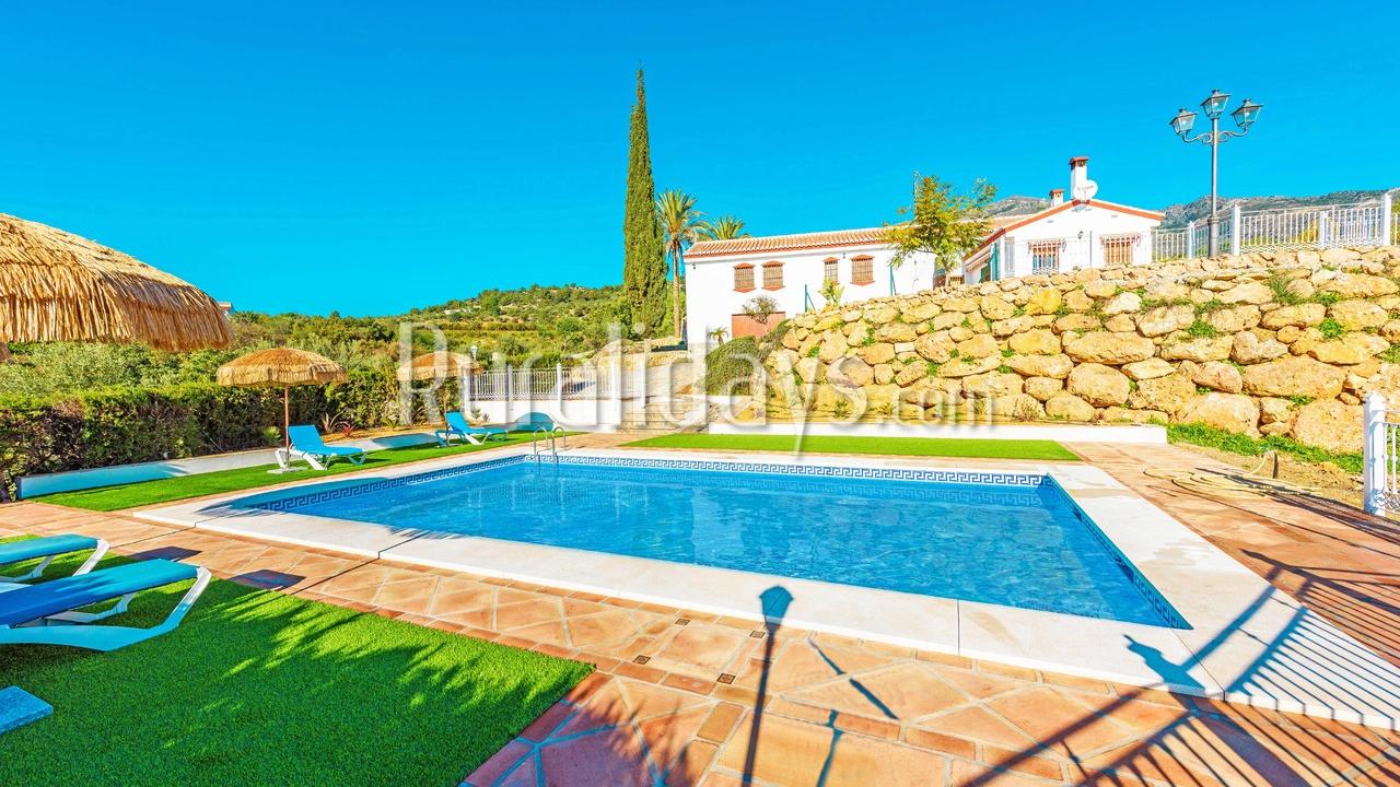Preiswert Ferienhaus in Alozaina (Malaga)