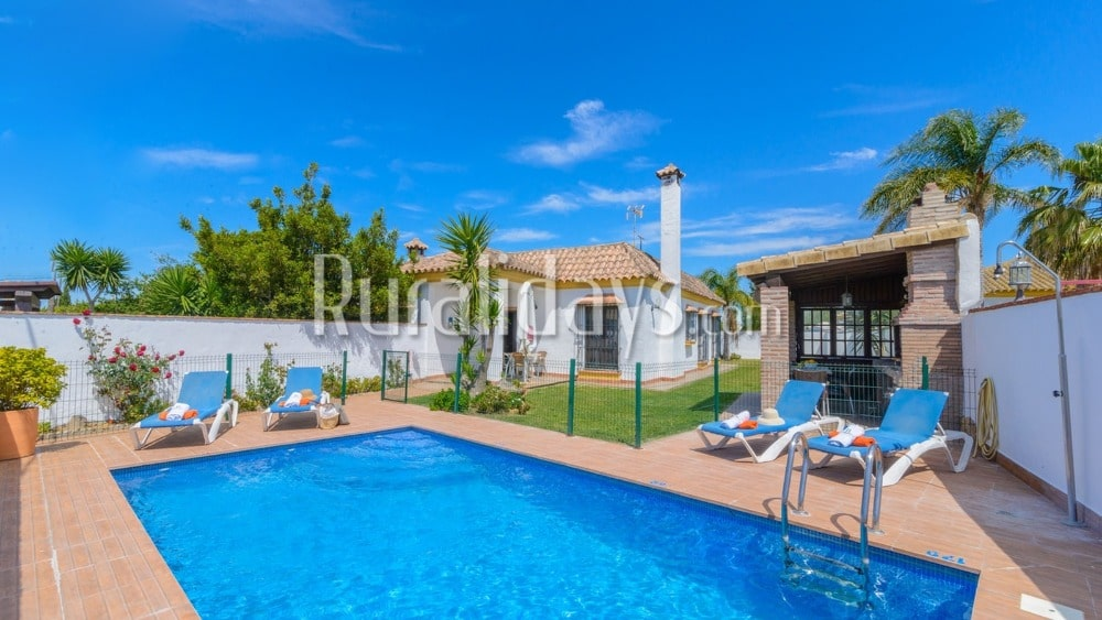 Fantastic budget holiday villa for four people in Conil de la Frontera - CAD1218