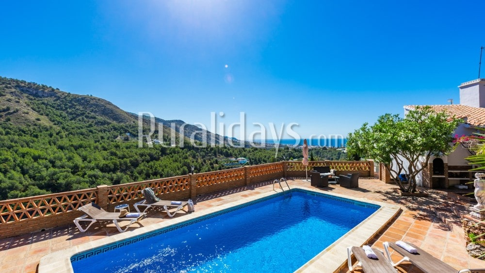 Ruim vakantiehuis voor vier personen in Frigiliana - MAL1298