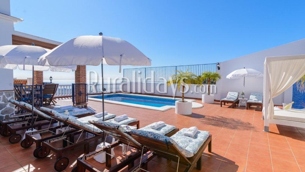 Villa de diseño moderno con piscina privada en Torrox - MAL1278