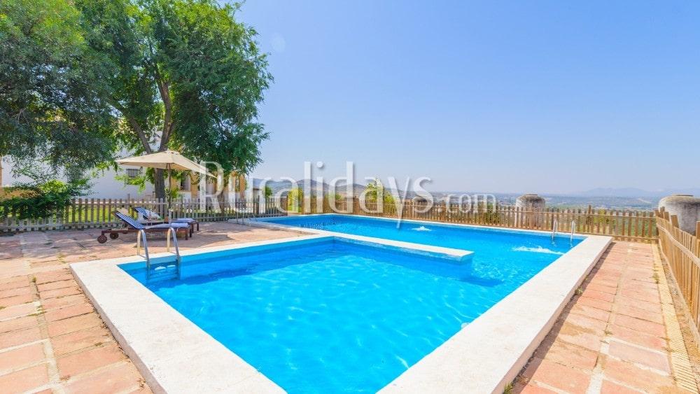 Villa rústica con impresionantes vistas panorámicas en Puente Genil - COR2816
