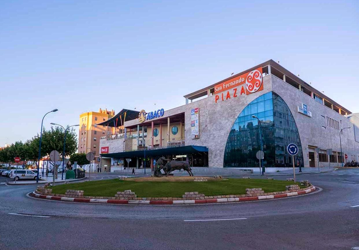 Centro comercial San Fernando Plaza en San Fernando