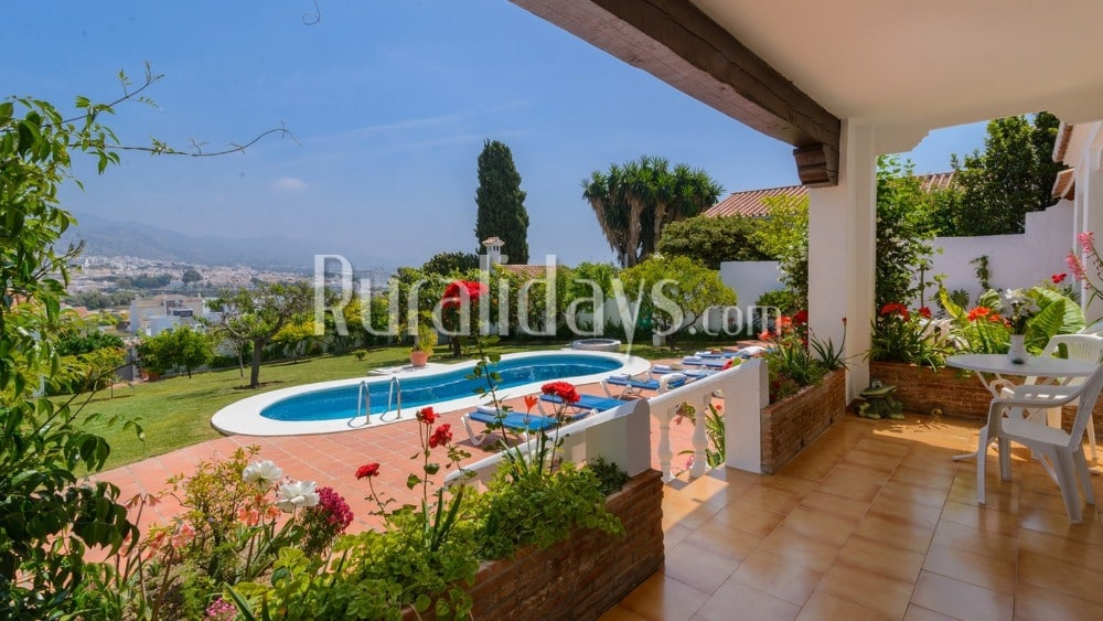 Charming villa overlooking the town of Nerja - MAL1614