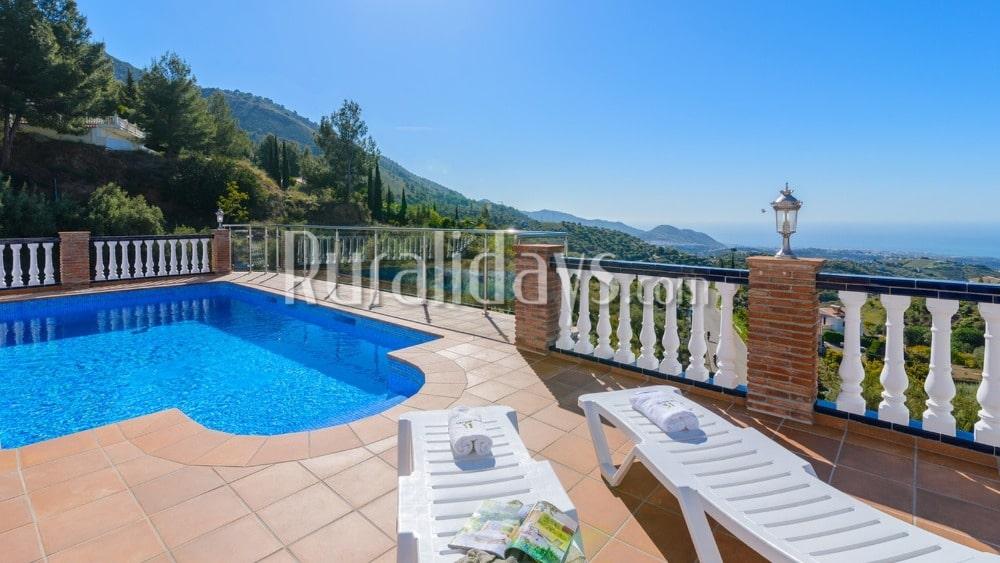 Villa in Frigiliana mit Ausblick, der nicht von dieser Welt ist - MAL1104