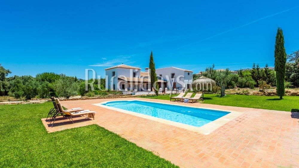Villa mit Blick auf die Berge der Serranía de Ronda - MAL2947