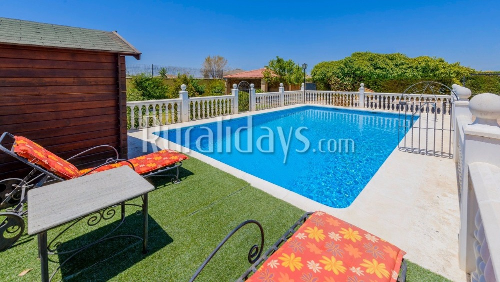 Fenced villa close to the town centre in La Rambla (Cordoba)