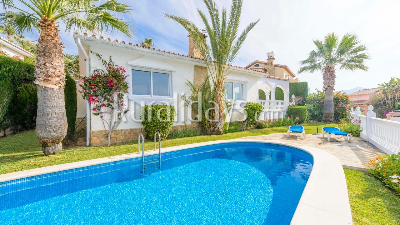 Villa mit bezauberndem Außenbereich