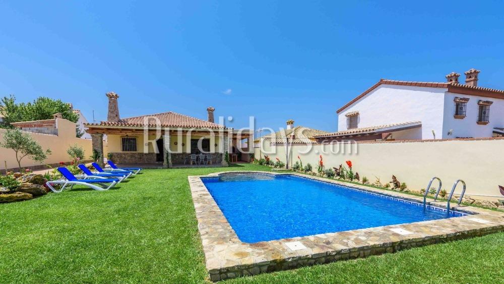 Moderna villa con techos rústicos en Conil de la Frontera (Cádiz)