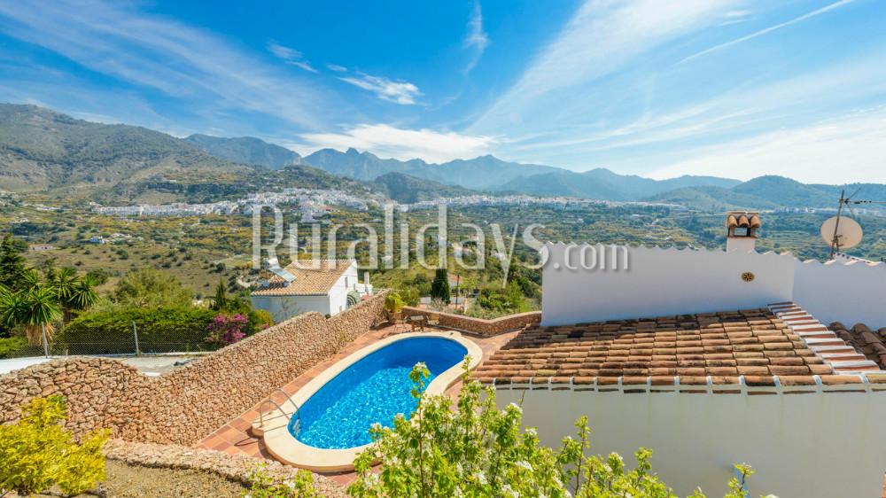 Villa mit Blick auf das Weiße Dorf Frigiliana