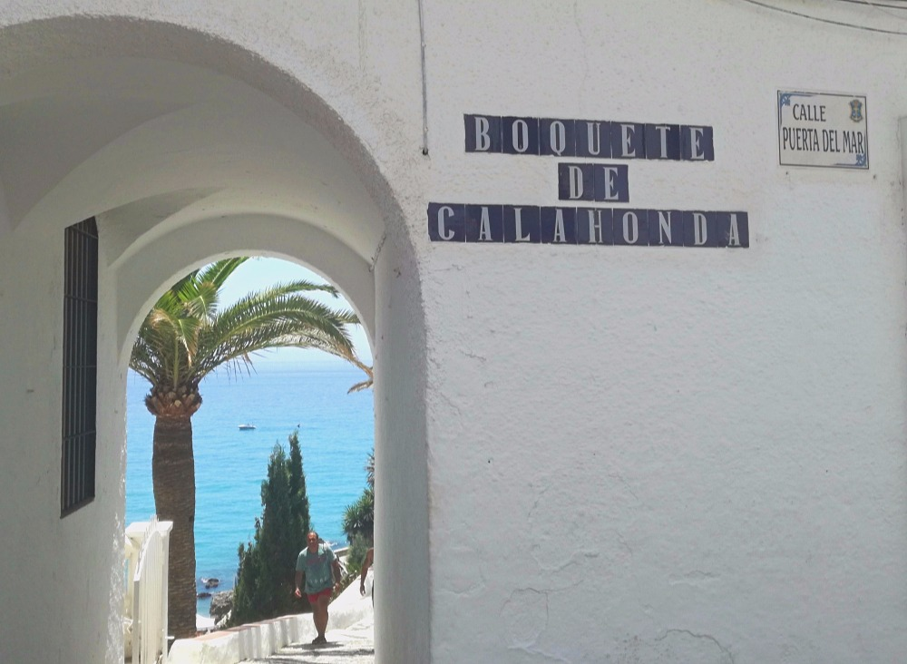 Boquete de Calahonda - best beaches in Nerja