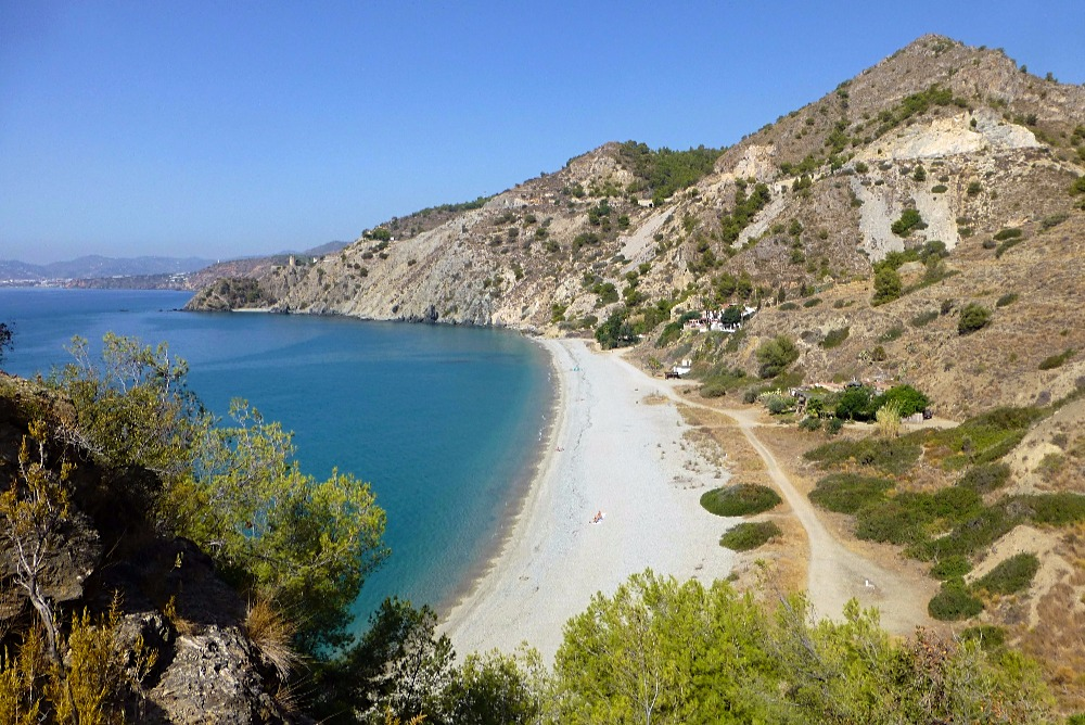 Cala del Cañuelo à Maro - meilleures plages à Nerja