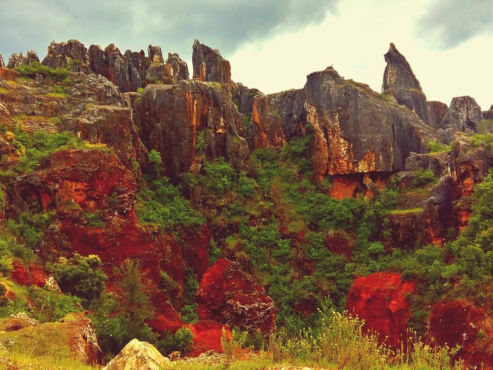 Cerro del Hierro dans le Parc Naturel de la Sierra Norte à Séville