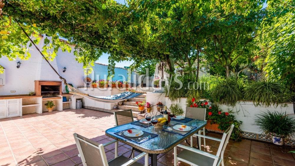 Omheinde villa met ruime interieur in El Real de la Jara - SEV2533