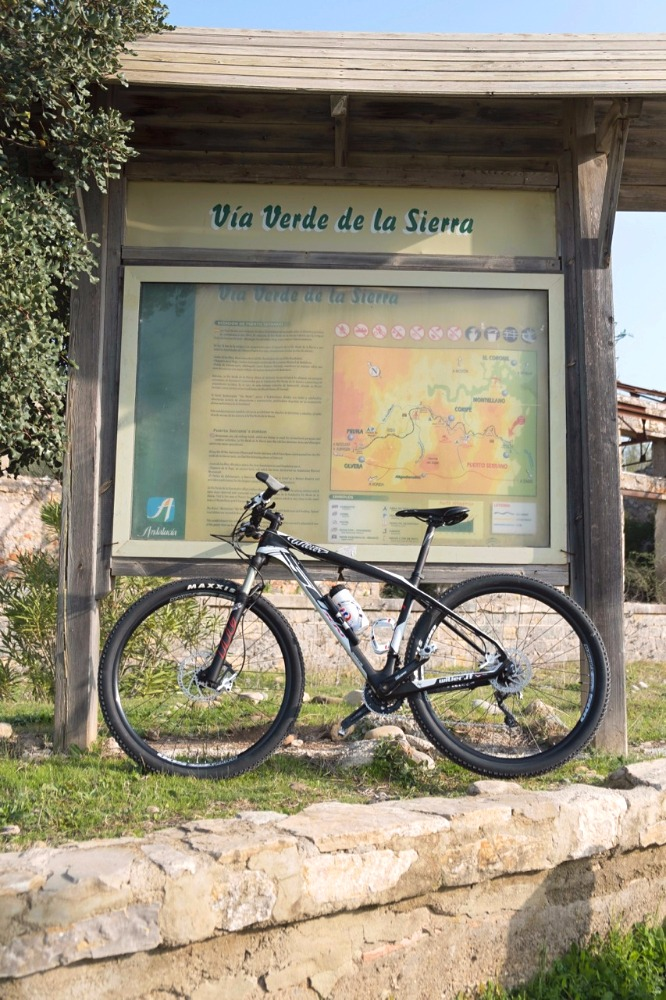 Panel informativo de la Vía Verde de la Sierra