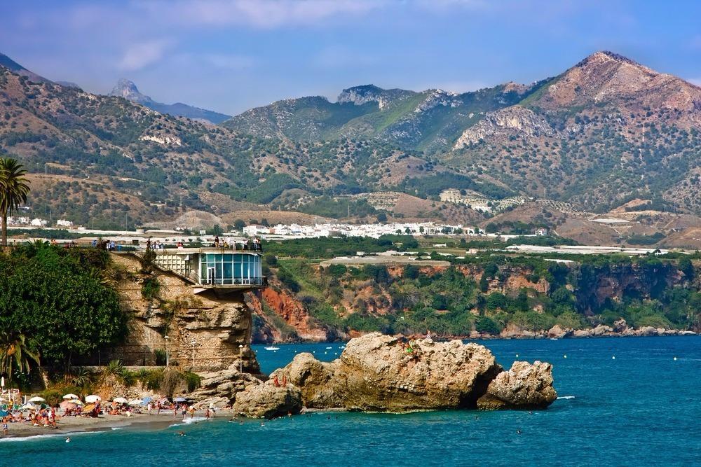 Playa de La Caletilla en Nerja