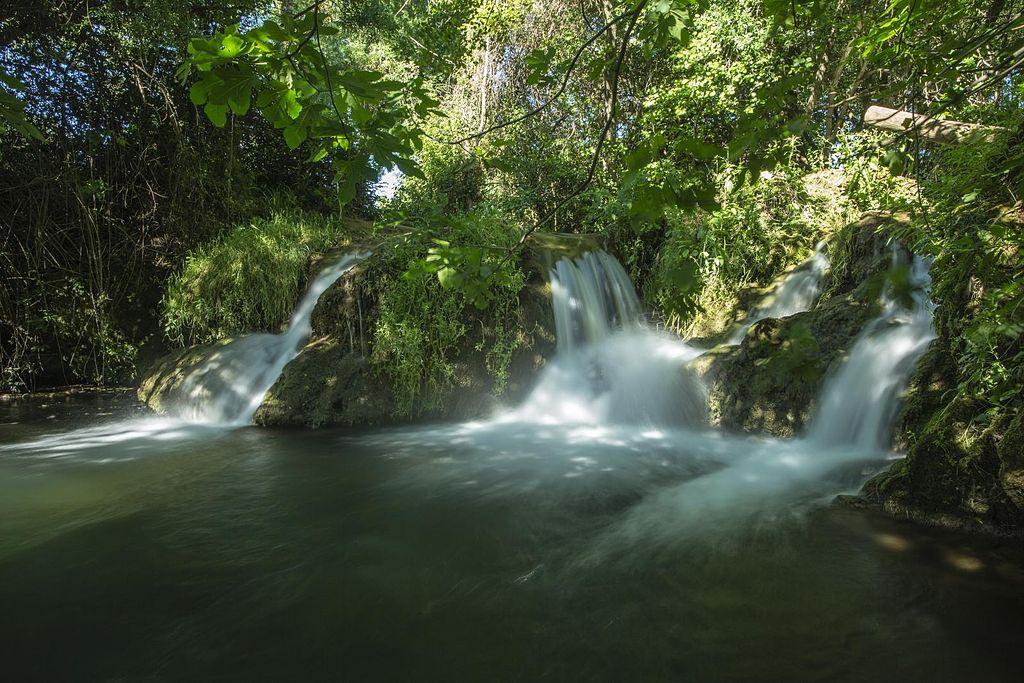 Rivier in het natuurpark Sierra Norte
