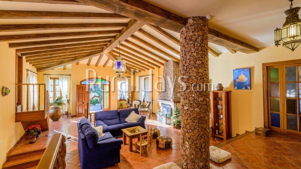 Villa con encanto con una distinguida amplia zona al aire libre en Nerja