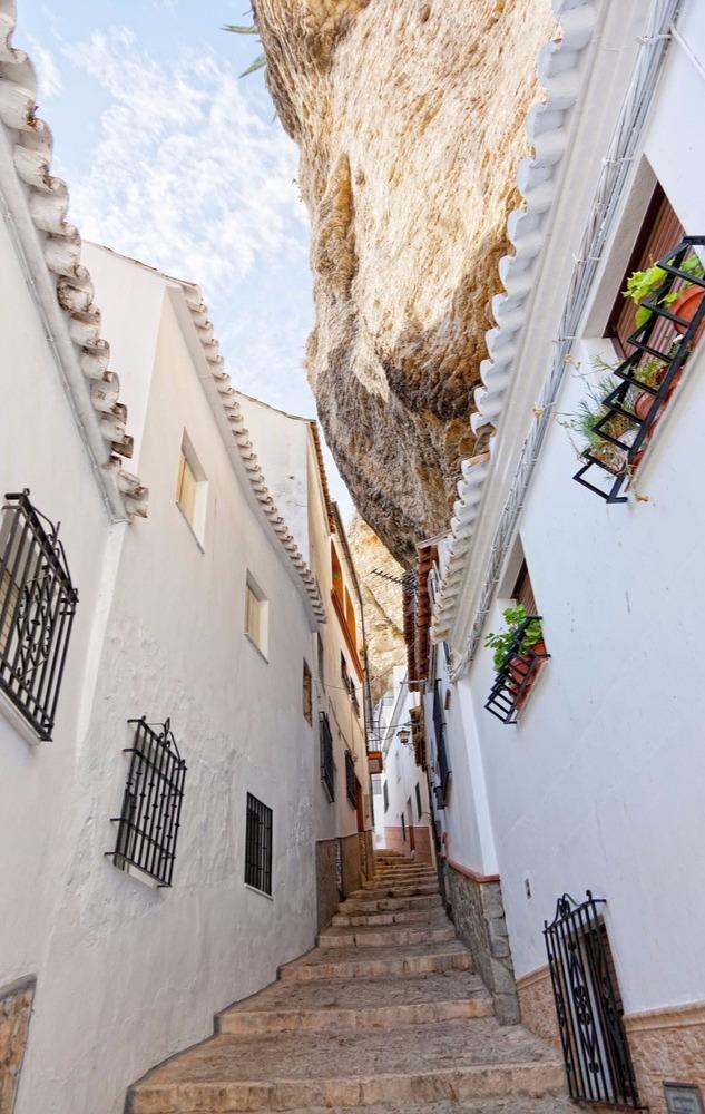 One perspective of Calle Herrería in Setenil