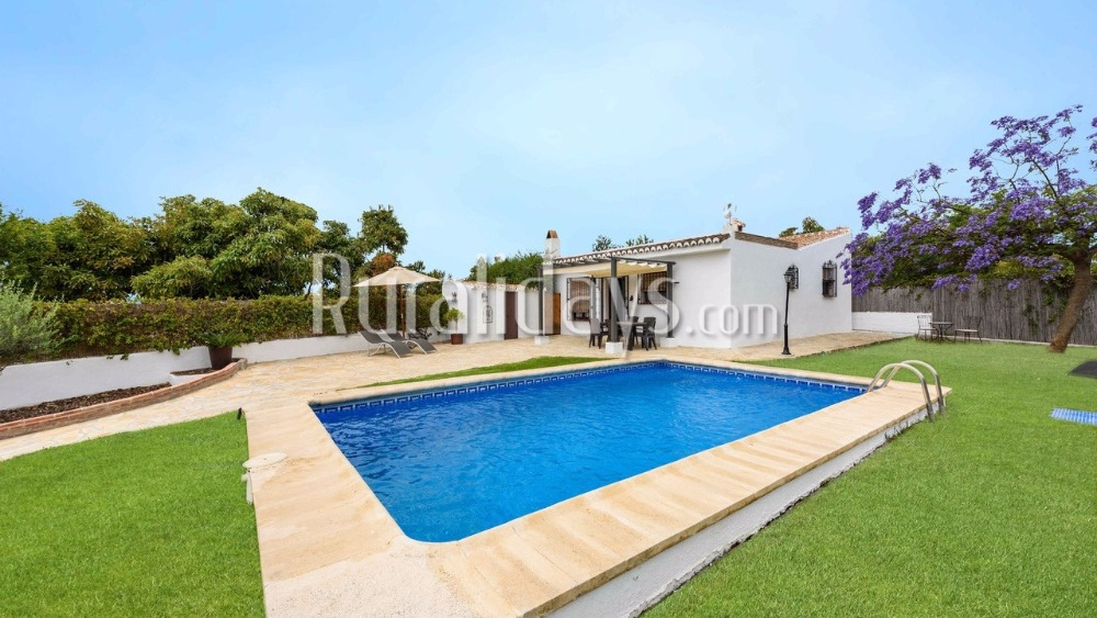 Villa overlooking the mountains in Nerja (Malaga)