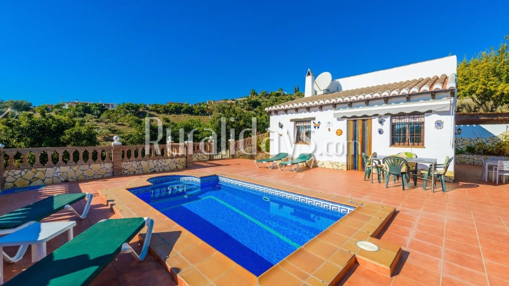 Holiday villa in a relaxing setting in Nerja (Malaga)
